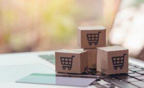 Ryd op og sælg dine ting på online markedspladser